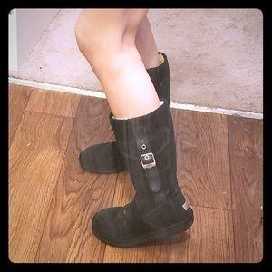 Velvet black zip-up sheepskin UGG boots w/ buckles